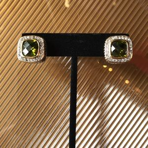 Jewelry - Gorgeous Emerald Green Yurman Style Cable Earrings